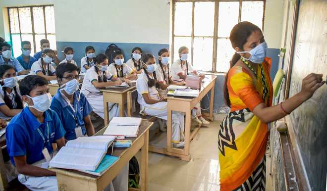 2.7 million teachers in India untrained to deal with Covid challenges to education